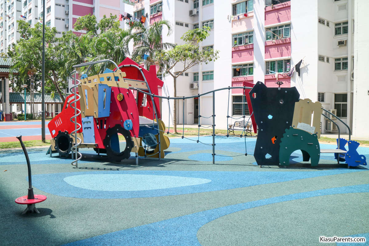 Blk 104-105 Bedok North Road Playground 01