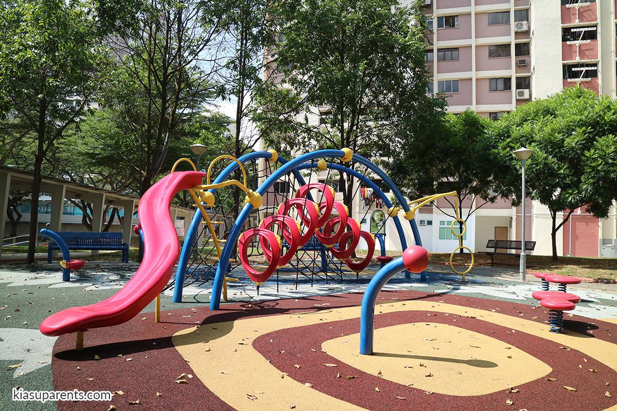 Blk 117 Bedok North Rd Playground 04