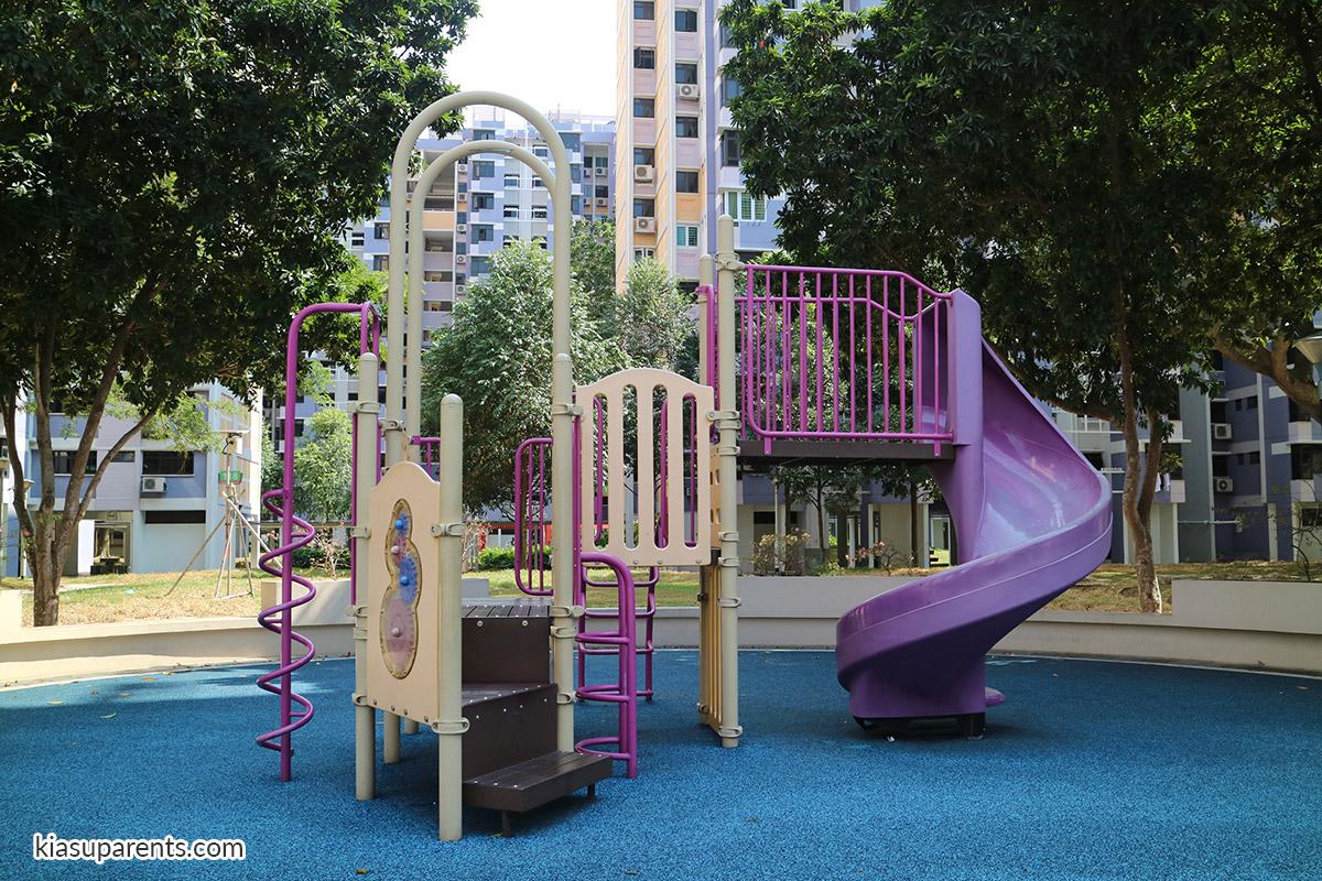 Blk 119-120 Bedok North Rd Playground 01