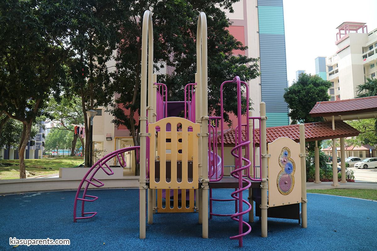 Blk 119-120 Bedok North Rd Playground 02