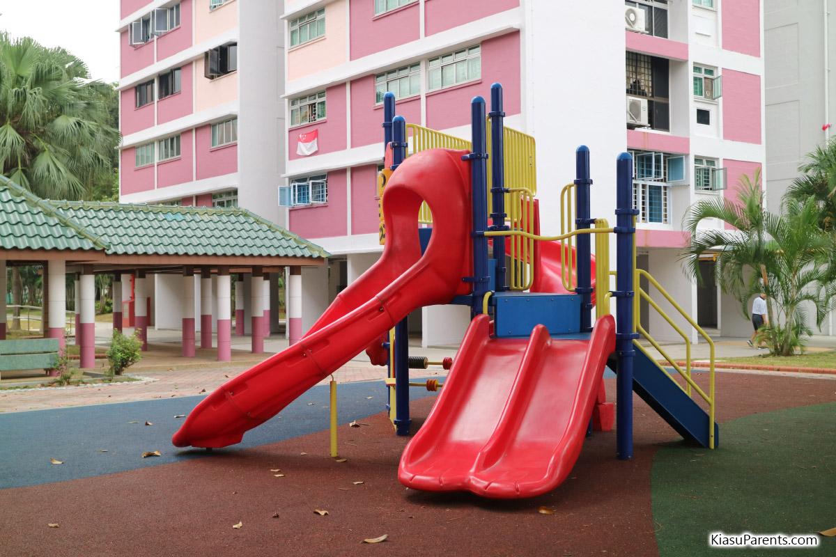 Blk 99-100 Bedok North Ave 4 Playground 01