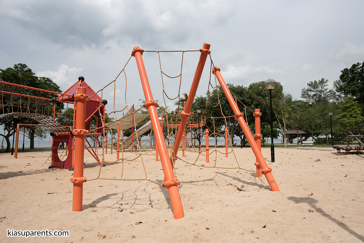 Changi Beach Playground 03