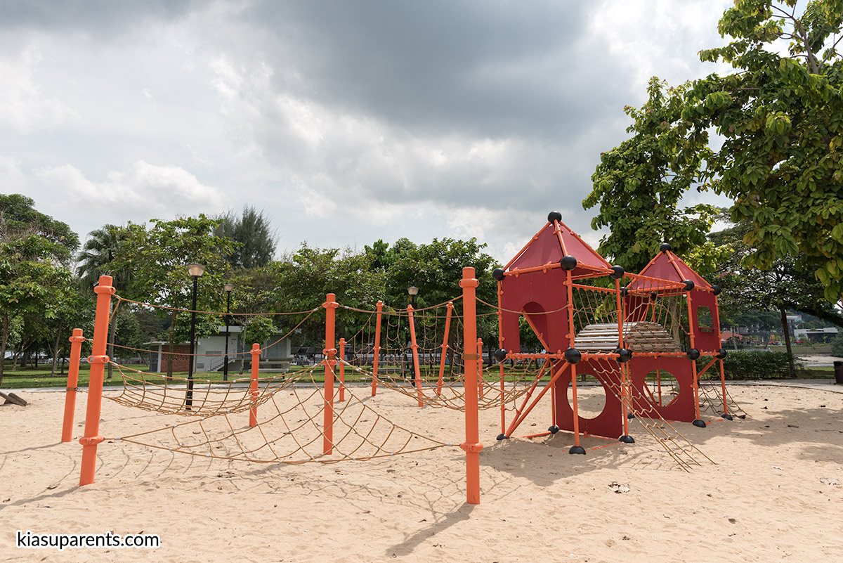 Changi Beach Playground 04
