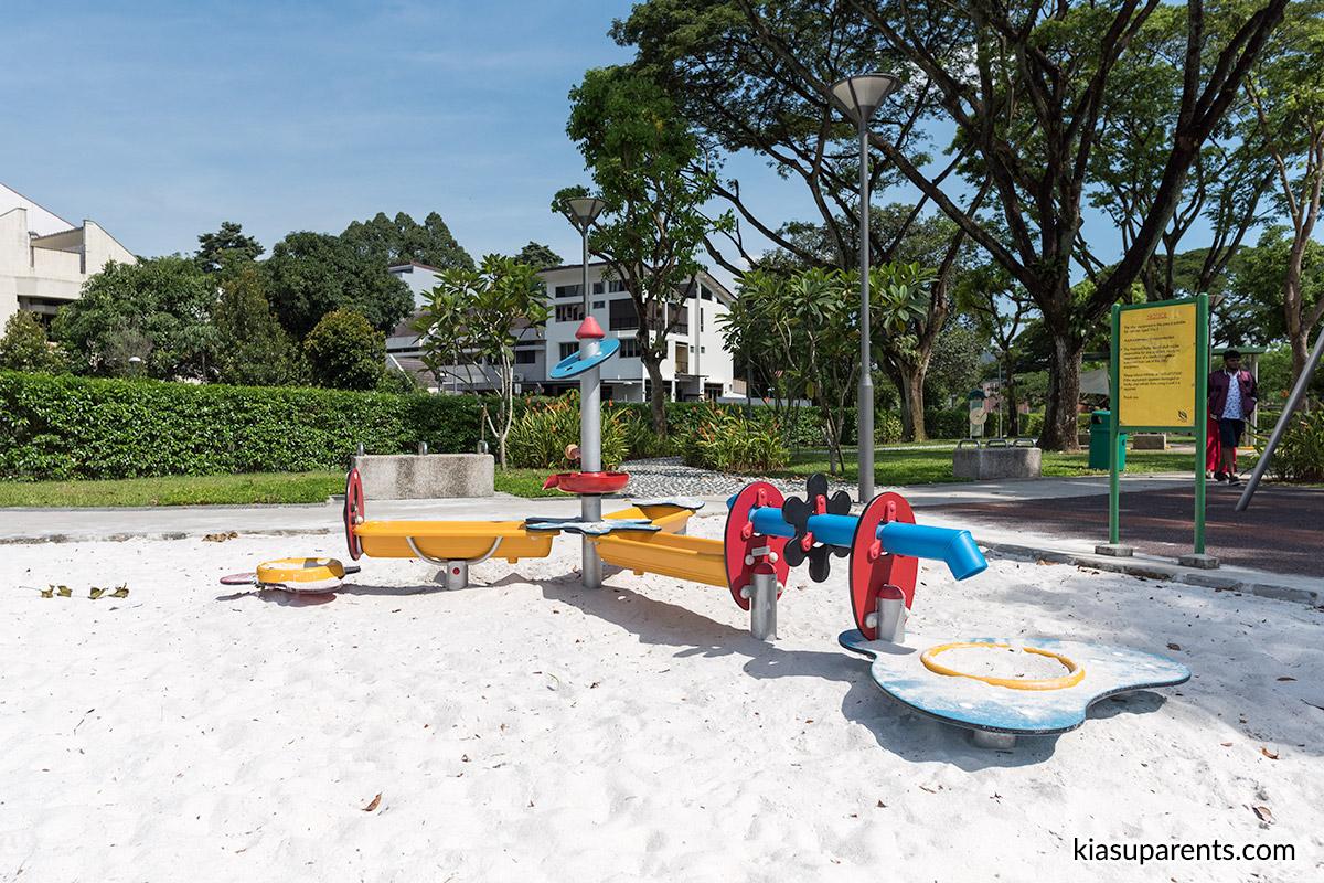 Hazel Park Open Space Playground 02