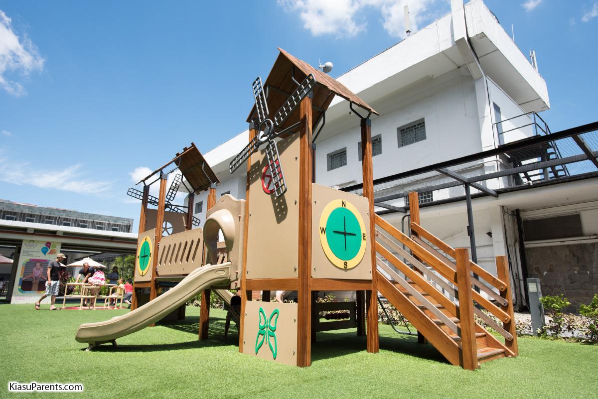 The Grandstand Playground 02